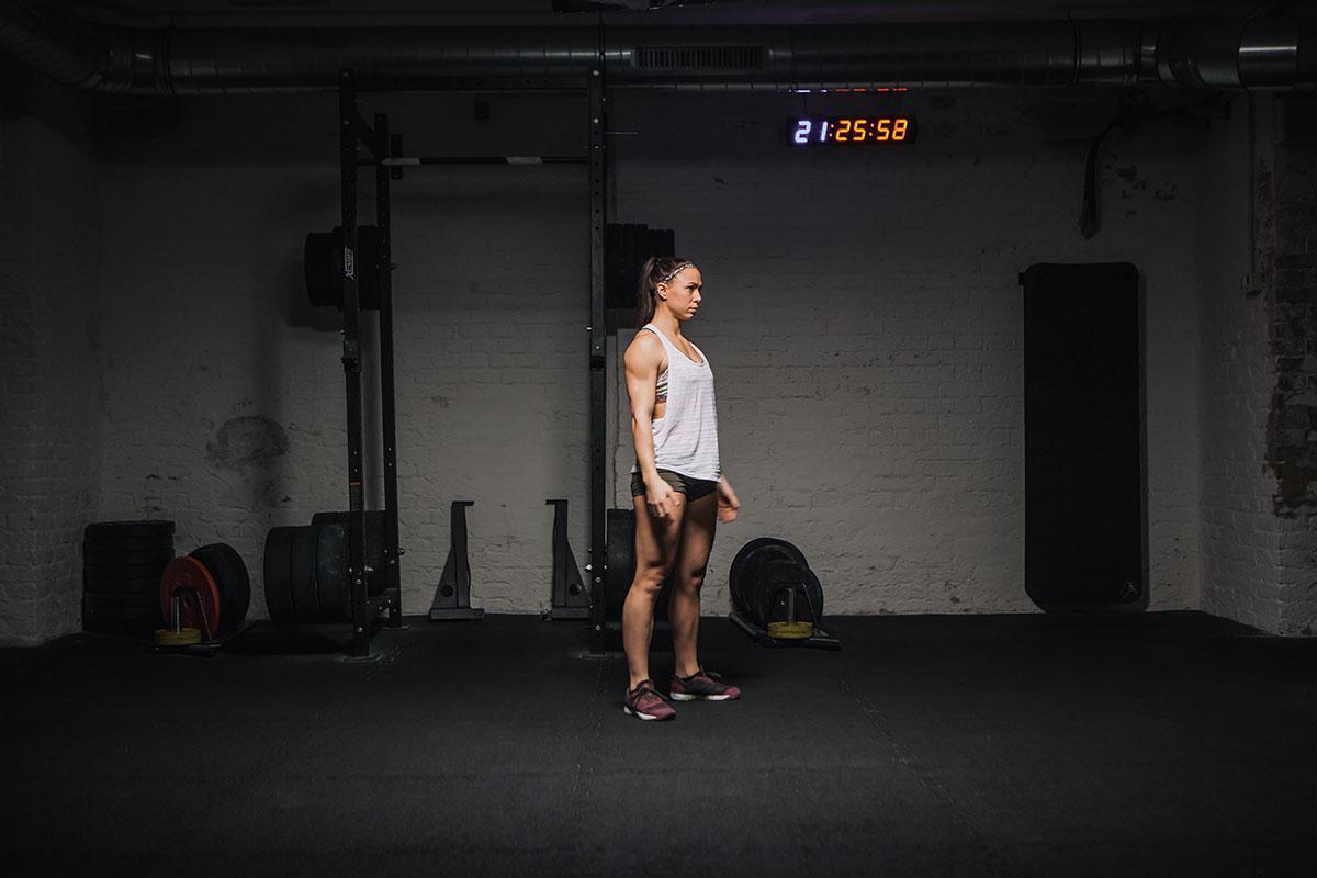 air squat richtig ausführen stand