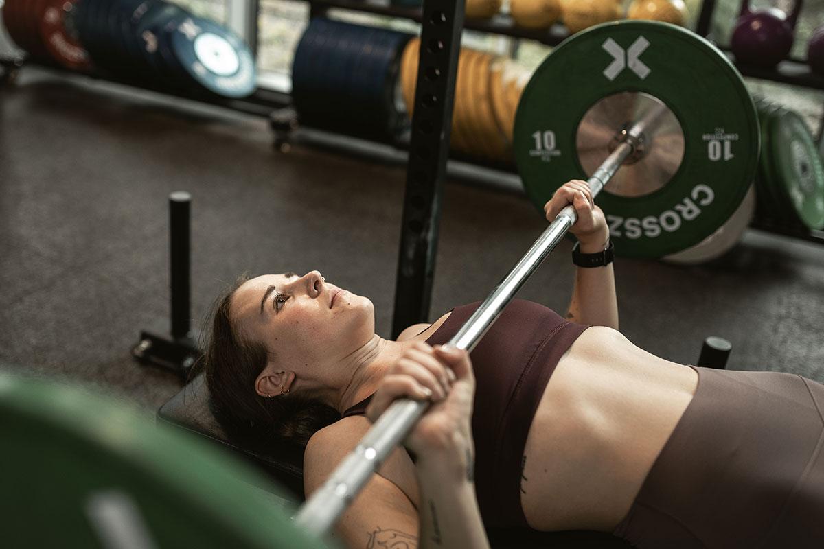 Jules Vogel CrossFit Challenge Zone.Fit Bankdrücken